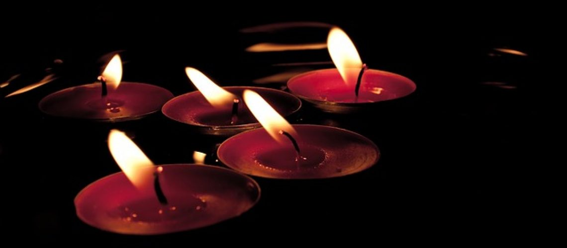 candles-629912_640